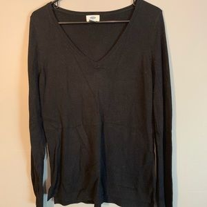 V-neck casual sweater - medium knit & weight